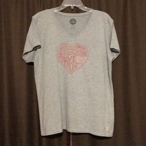 LIFE IS GOOD V-Neck Heart T-Shirt Size XL